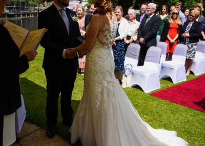 Matt and Delia's Wedding Photography at Cambridge Hilton DoubleTree - Ryan Hughes Photography-112